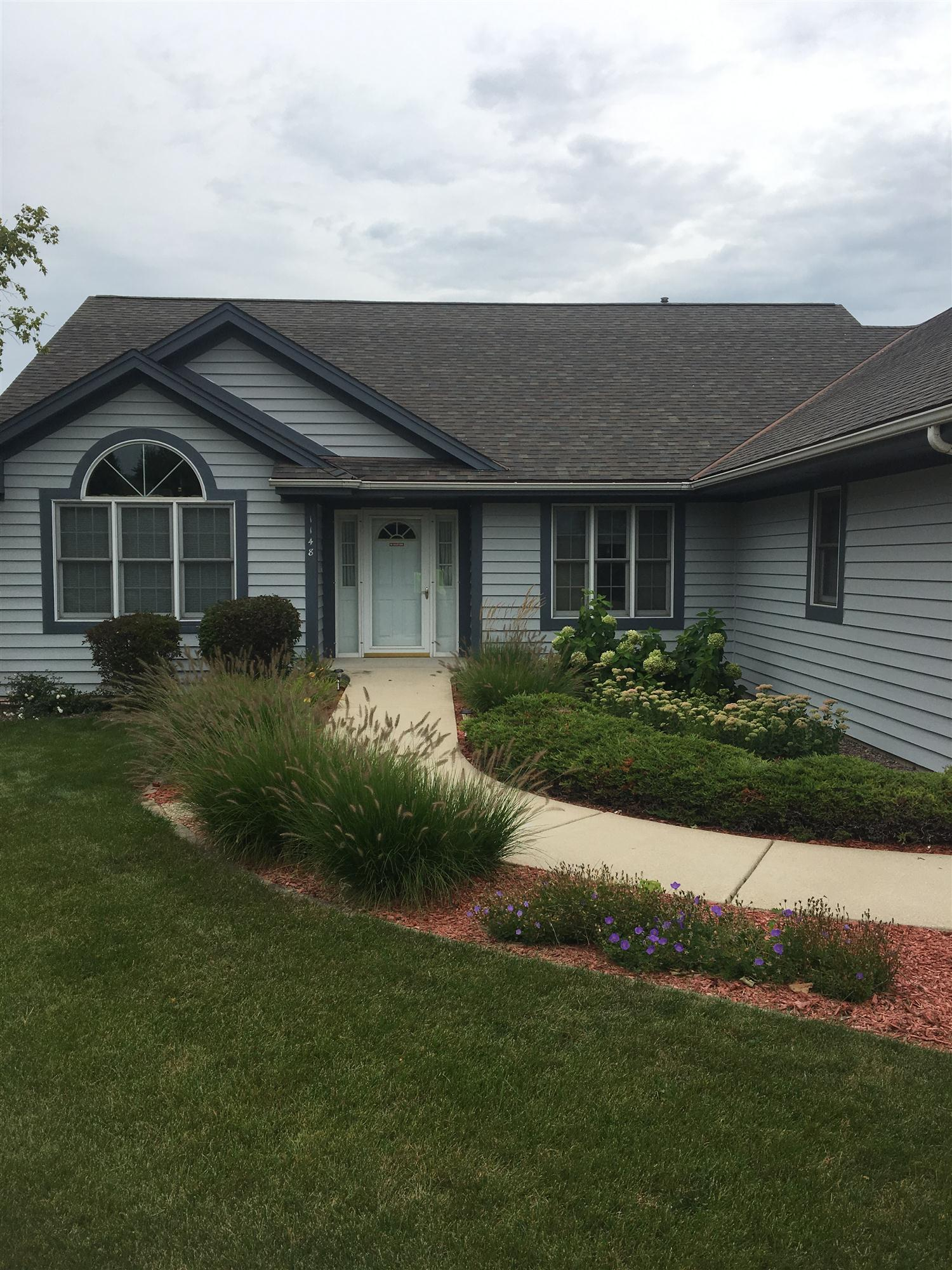 Brookfield Wisconsin house exterior painted by professional painting contractors